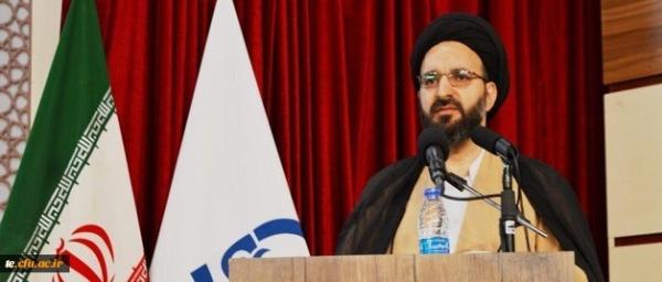نیازمند یک عزم جدی برای معرفی اندیشه های امام و رهبری به دانش آموزان هستیم