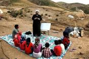 اجرای برنامه های دینی با مشارکت طلاب و  روحانیون در مدارس عشایری