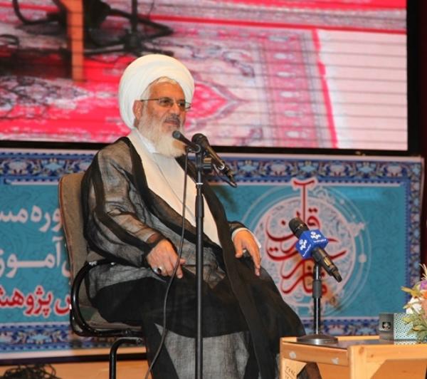 مردم ایران مردمی ریشه دار هستند/هر هفته میهمان یکی از مدارس برای اقامه نماز هستم