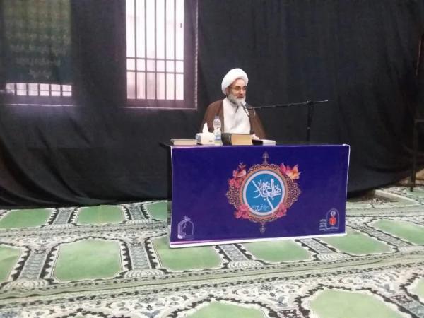 امام جمعه رشت نهج البلاغه را برای فرهنگیان تفسیر می کند