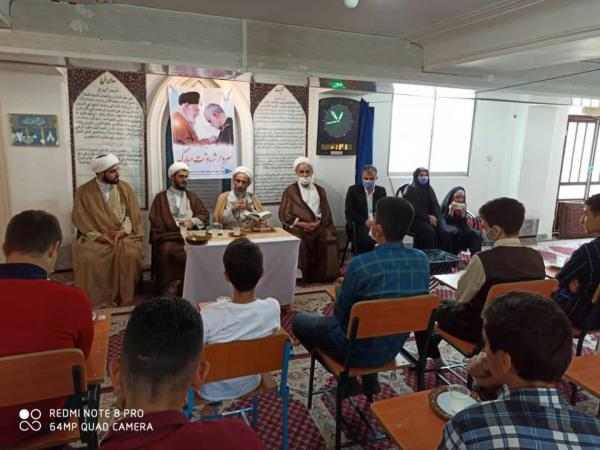 بازدید دانش آموزان املشی از حوزه علمیه امام جعفرصادق(ع) رودسر