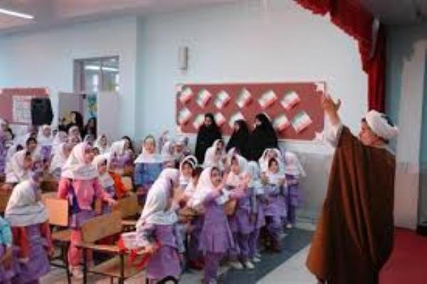 هفت هزار فارغ التحصیل در مرکز تربیت مربی کودک و نوجوان حوزه علمیه قم
