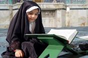 تربیت دینی فرزندان نیازمند پالایش محیط خانه از مسائل ضدارزشی است