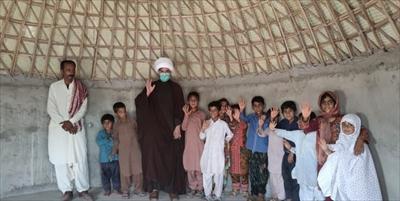 شورو شوق طلاب دهه هفتادی در خدمت به آموزش و پرورش / ساخت ۱۰ مدرسه و مسجد+عکس